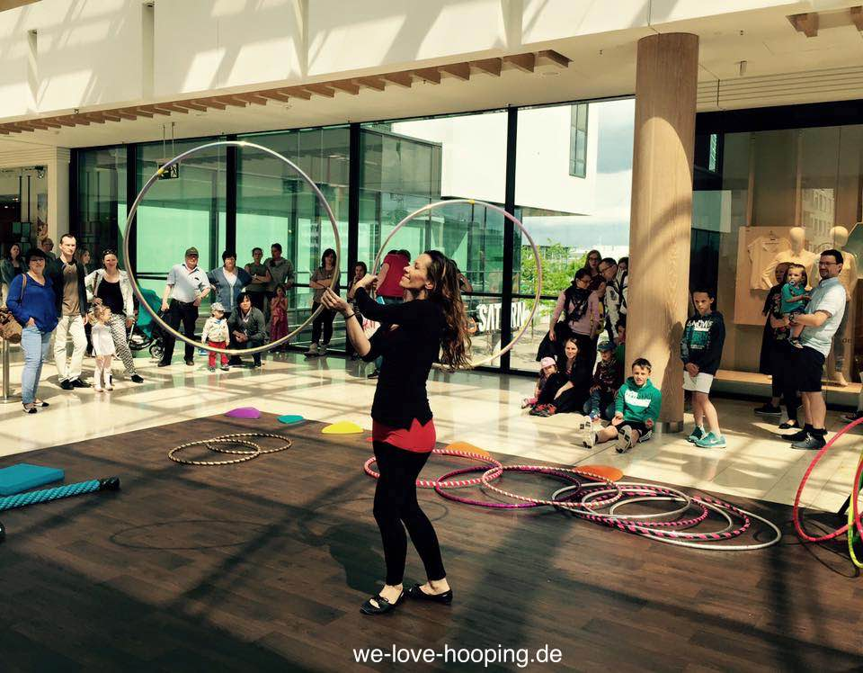 Event Riem Arcaden Hula Hoop Show